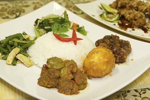 Indonesische gerechten, catering, afhaal
